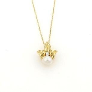 Tiffany & Co. Tiffany Co. Diamond 7mm Pearl Leaf 18k Yellow Gold Pendant Necklace