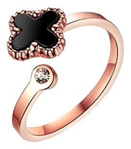 Titan Bliss Clover Sparkles Ring