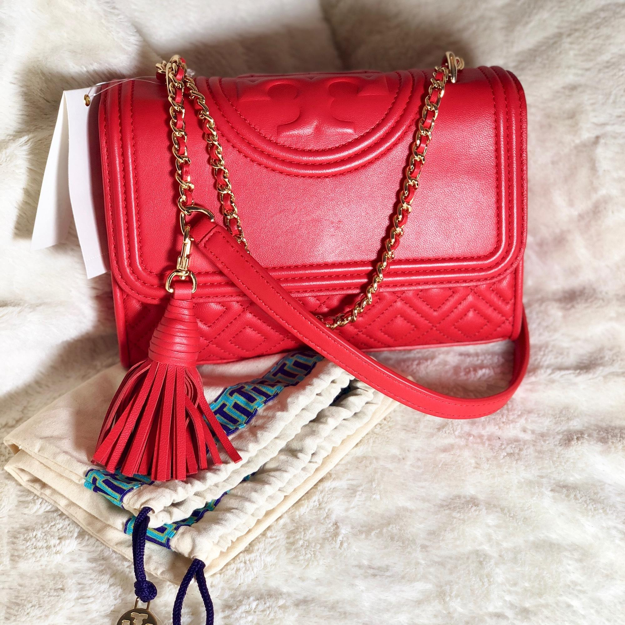 「TORY BURCH Fleming Quilted Leather Small Convertible Shoulder Bag red」的圖片搜尋結果