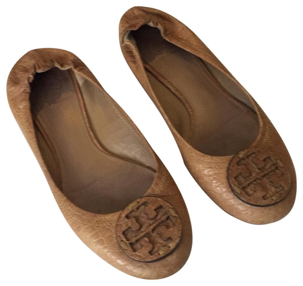 b01c92130166f ... new zealand tory burch ballet leather logo sand flats 64efd 2c530