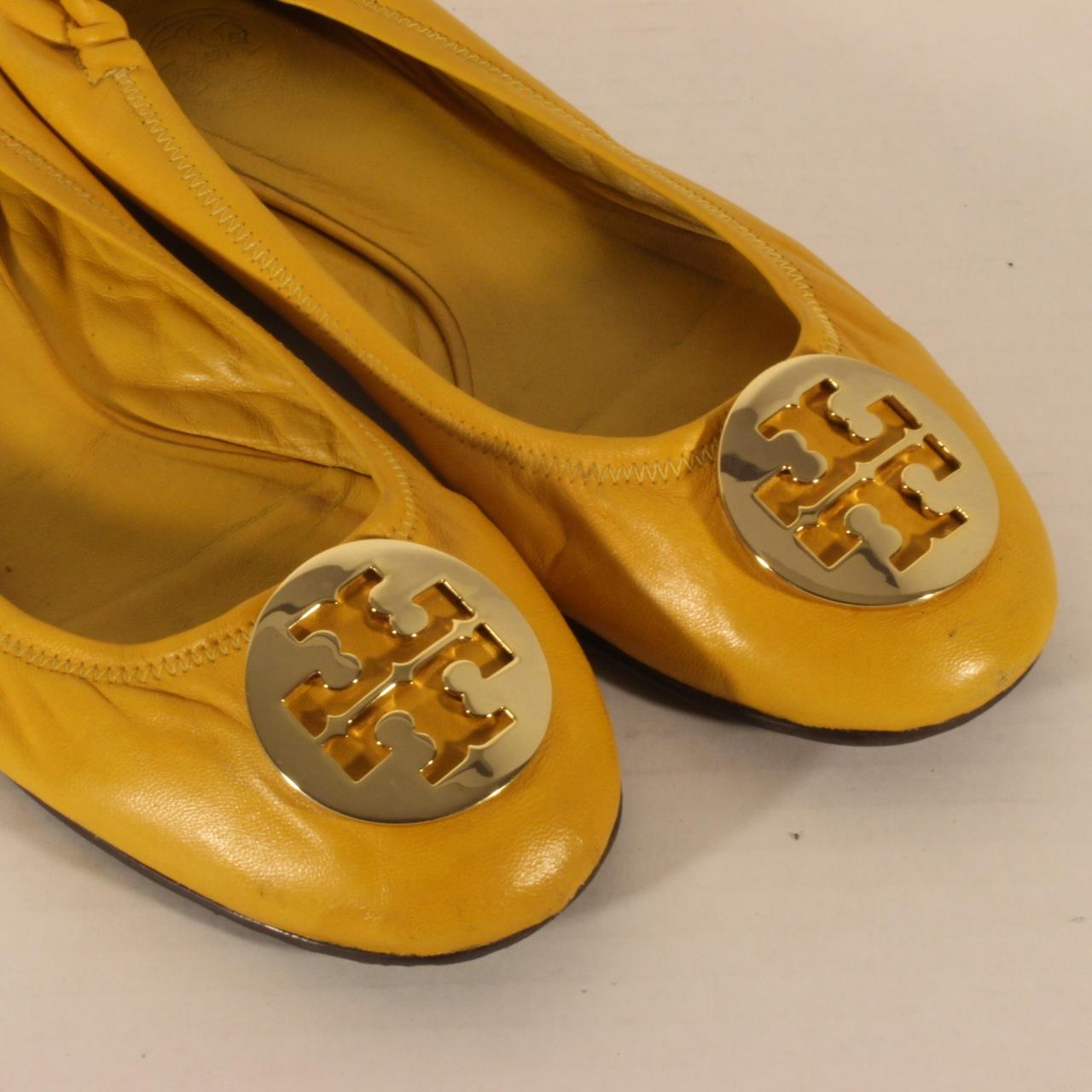 e93c5617a ... italy tory burch yellow reva soft leather ballet big gold logo flats  size 4ac19 2abc7
