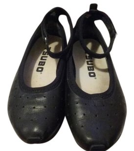 Tsubo Leather Rubber Sole Flats