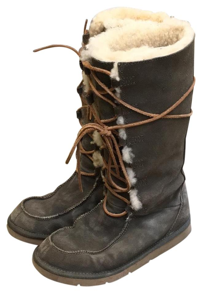 UGG Australia army green exterior, light tan shearling interior Boots ...