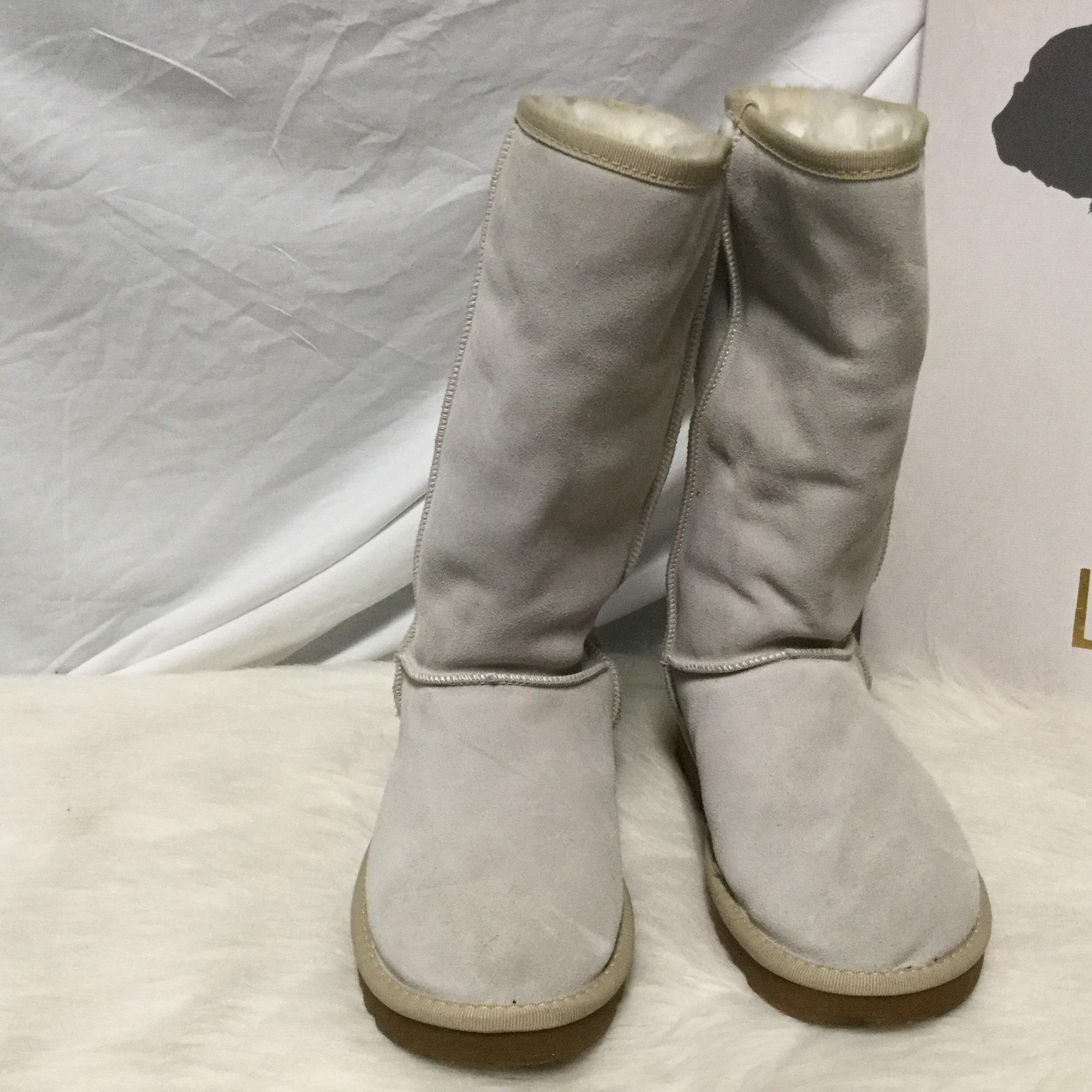 UGG Australia Light gray Boots ...