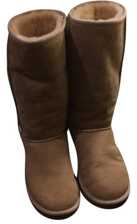 what goes with light brown uggs