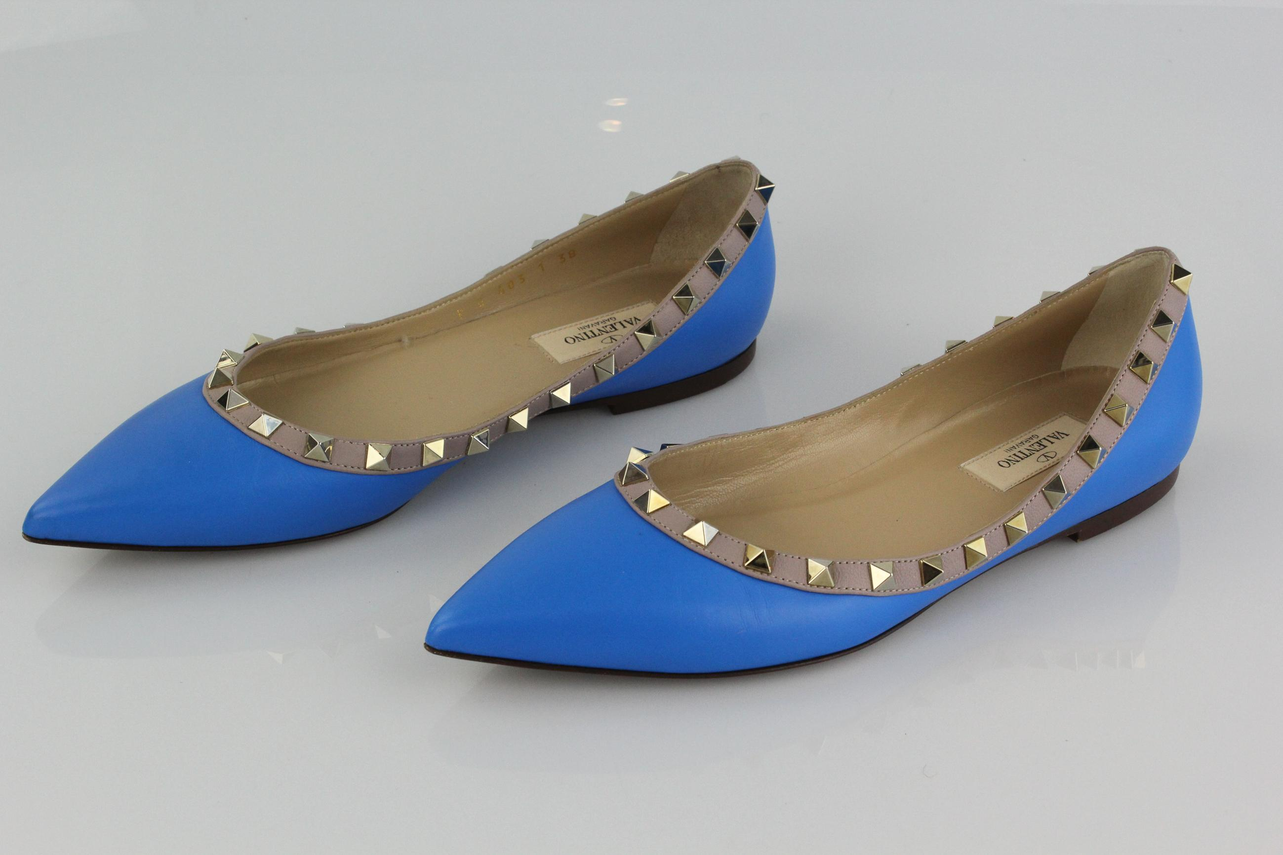 Valentino Embellished Pointed-Toe Flats affordable 2014 newest sale online sale shop buy authentic online AluC8B3K0