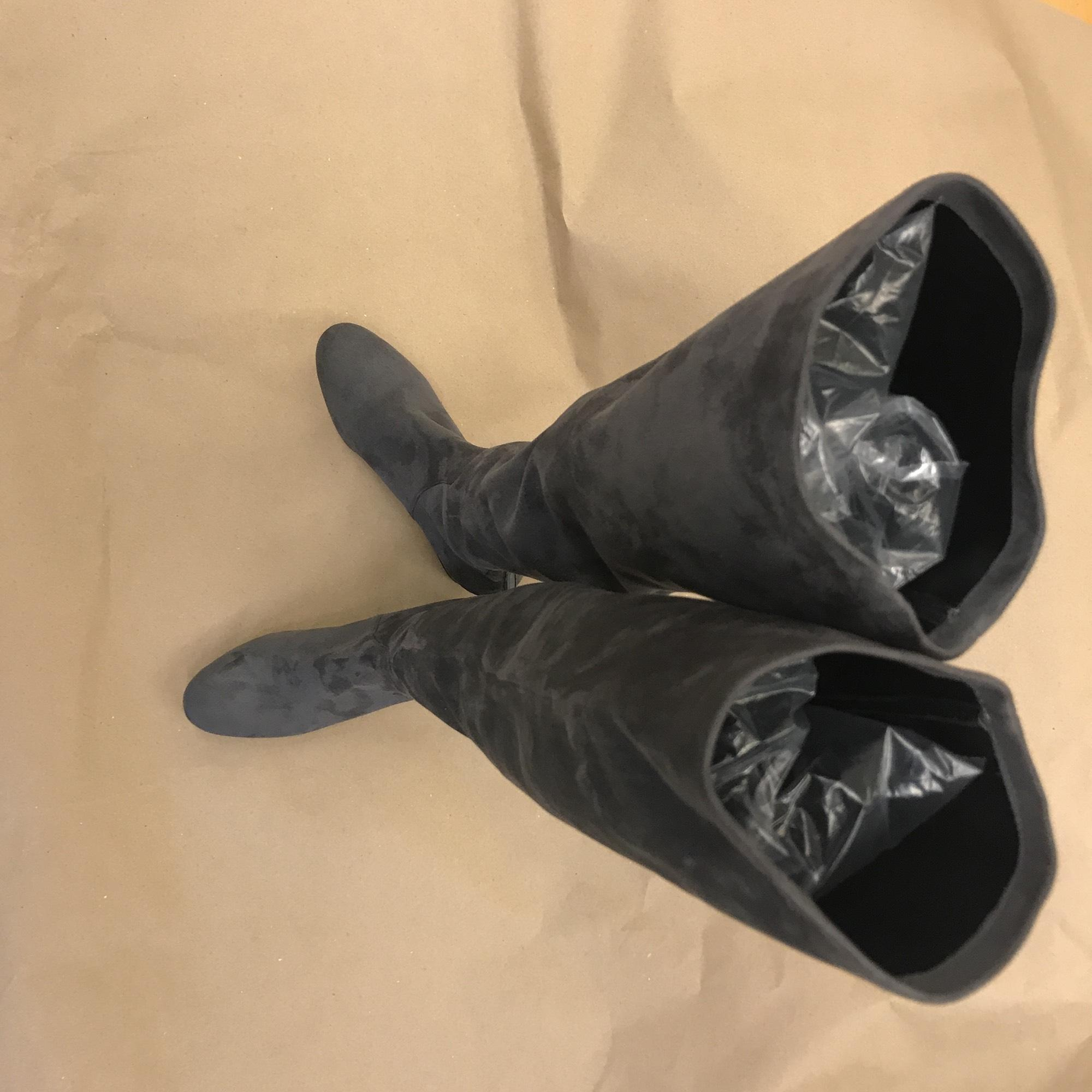f2a554968a93 US 8) Valentino Valentino Valentino Gray Boots Booties Size EU 38 (Approx.