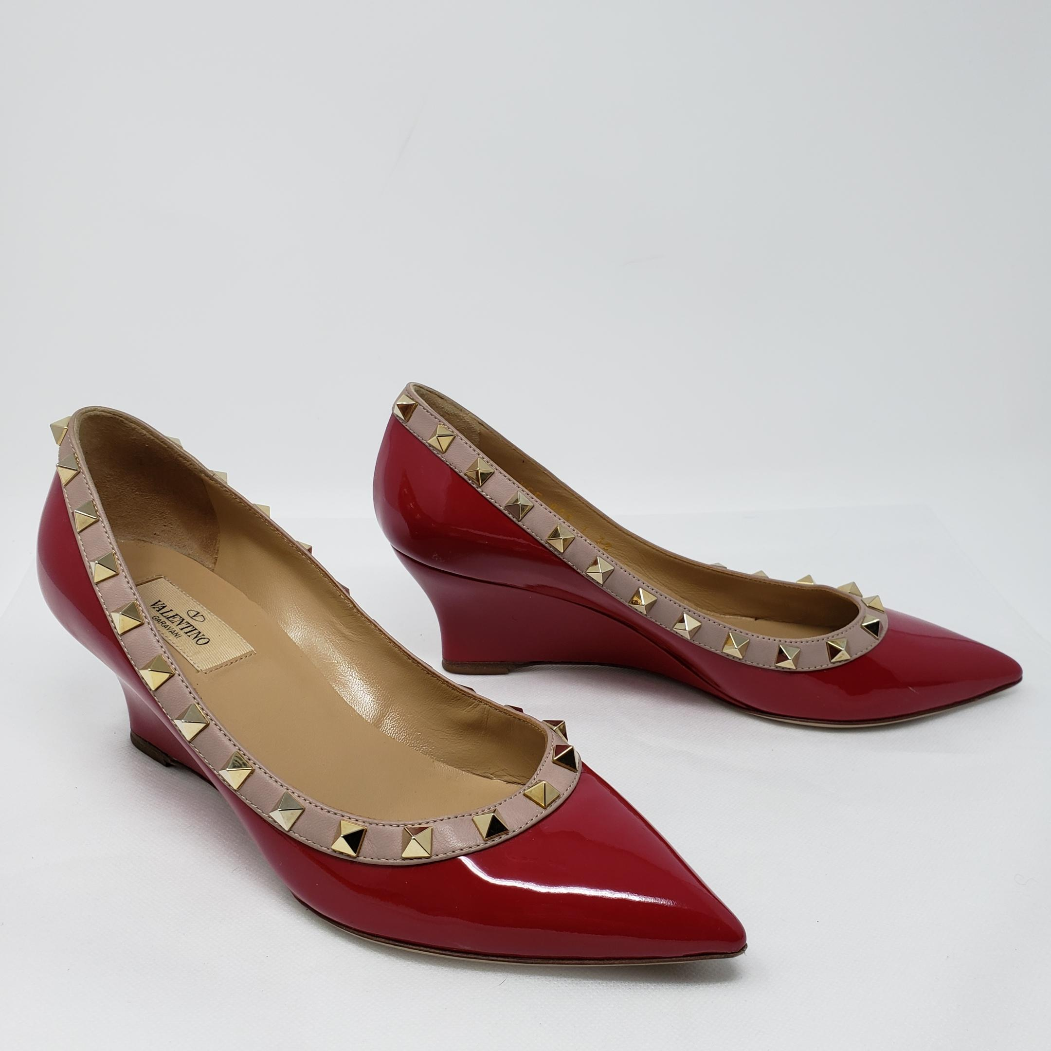 a34f8675763d ... Man s Woman s——Valentino Red Beige Gold Raspberry Patent Leather  Rockstud Wedges Size Size ...