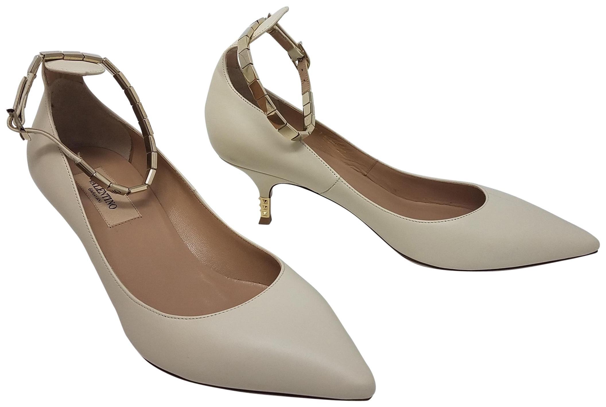 2ae2db296e4 Valentino White Gold Ivory Leather Gold-tone Anle Anle Anle Chain  Pointed-toe Pumps Size EU 37 (Approx. US 7) Regular (M