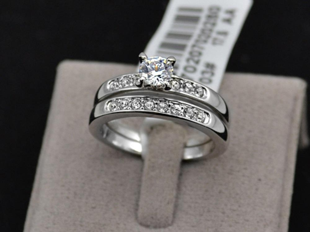 Merveilleux White Gold And Cz 1.5 Carat Solitaire Half Infinity Size 7 Two Piece  Womenu0027s Wedding Band Set   Tradesy